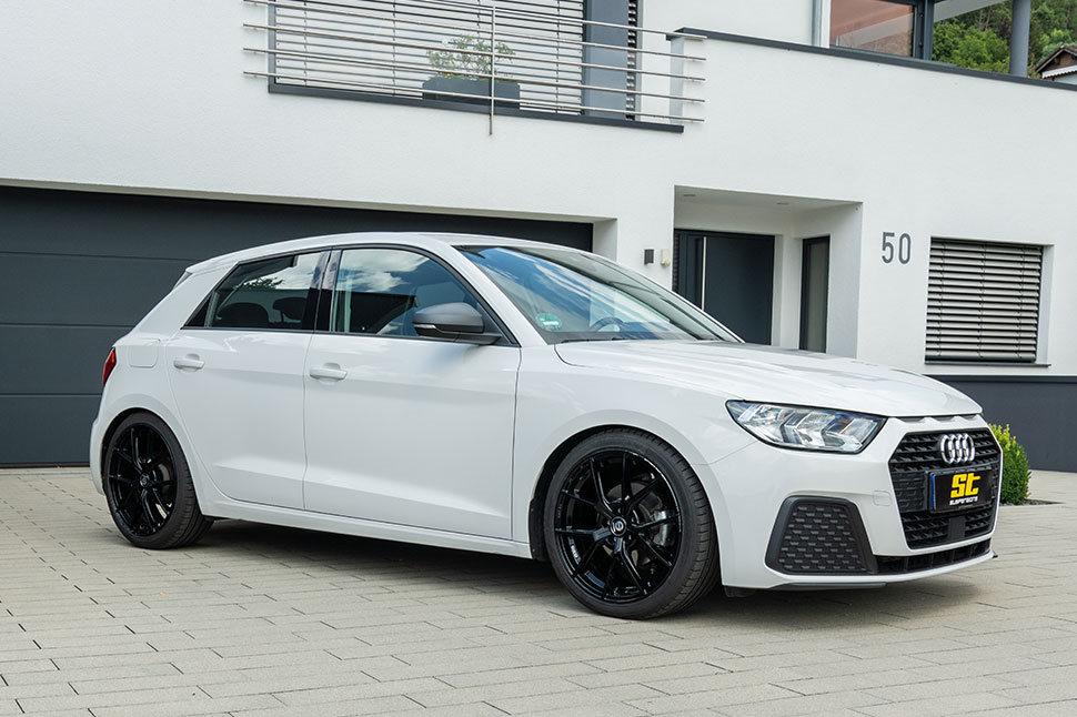 Laut Teilegutachten kann der Schwerpunkt des Audi A1 (GB) an der Vorder- und Hinterachse von 15 - 30 Millimetern frei gewählt werden.