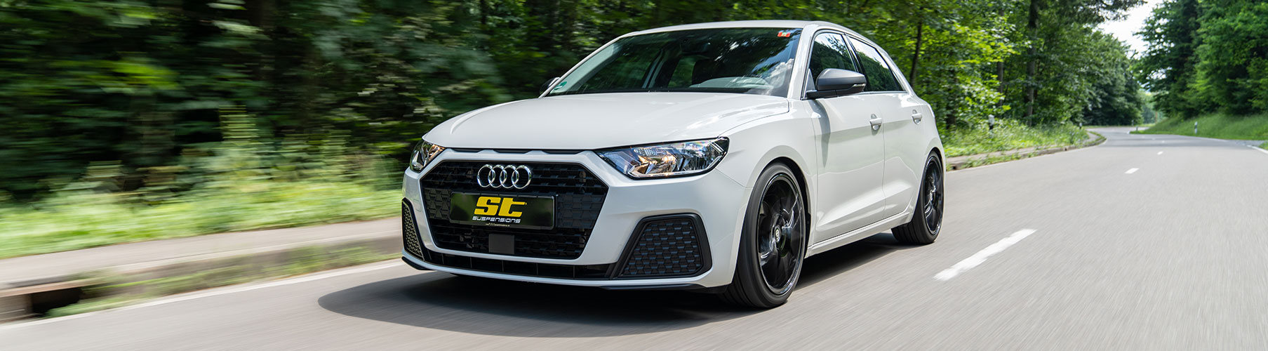 Mit den ST Gewindefedern für den aktuellen Audi A1 (GB) ist es in gewisser Weise möglich, das Serienfahrwerk innerhalb weniger Arbeitsschritte zu einem in der Tieferlegung frei einstellbaren Gewindefahrwerk aufzuwerten.
